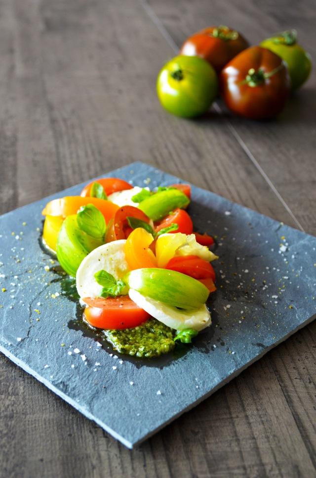 Salade tomates-mozza colorée